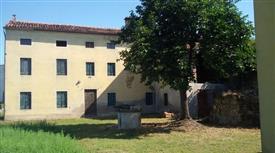 Rustico, Casale in Vendita in Via Berico Euganea 47 a Villaga