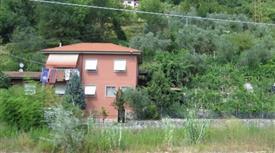 Villa a Calice al Cornoviglio