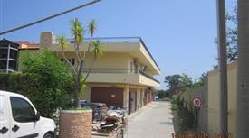Appartamento in vendita in Via Cavone , Roccella Ionica