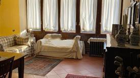 Appartamento su due piani in vendita in via Bolognina