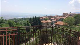 Villa bifamiliare ristrutturata