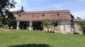 Casa agricola con terreno 500.000 €