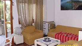 Appartamento in residence al lago di Garda,comodissimo alla spiaggia,cucina,bagno ,camera,balcone,garage.l