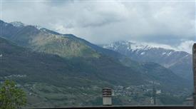 Luminosa casa in montagna vista panoramica