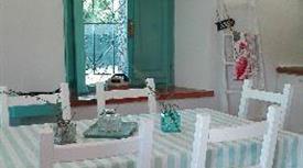 Casina in Pietra arredata in stile Provenzale in vendita