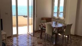 In vendita appartamento al mare