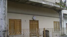 Bilocale con terrazzo e balcone.