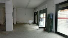Locale in vendita in via Metello,€ 110.000