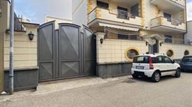 Casa Indipendente in Vendita in Via Varese 22 a Marcianise € 350.000