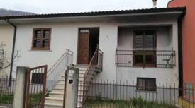 Villa a schiera via Giovanni Mangiacervo, Cassano Irpino
