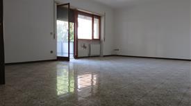 Appartamento via Redi