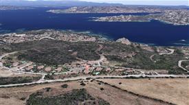 Villa vista sull'Arcipelago di La Maddalena ampliabile con Piano Casa