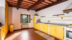 Appartamento in vendita in via Modesti Iacopo, 35 a, Carmignano