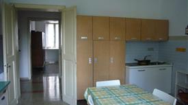 Appartamento per 3-4 studentesse, zona stazione