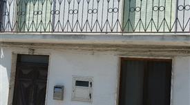 Casa di paese in vendita in via Rocce, 22