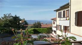 Casa Bifamiliare, Trifamiliare in Vendita a Castellina in Chianti