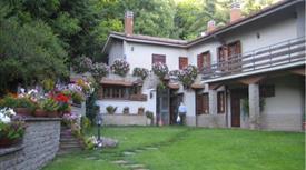 Villetta bifamiliare in vendita in contrada Montagna Soriano Nel Cimino VT,
