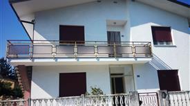 Appartamento primo piano bifamiliare