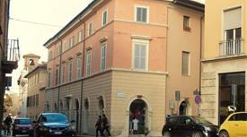 Trilocale ristrutturato centro storico uso ufficio