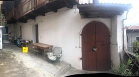 Privato vende casa in montagna su 2 piani