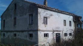 Casa colonica con terreno