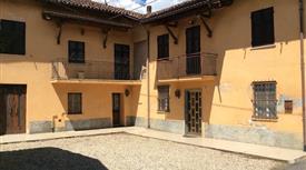Casa indipedente 190 mq con Giardino + Rustico e Box Auto