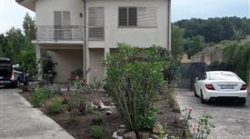 Casa Indipendente con ampio giardino in Cda Civita a Teora