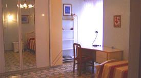 Camera per studentessa