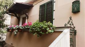 Appartamento indipendente, ultimo piano con giardino