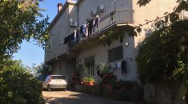 Immobile indipendente di 300 metri quadri ubicato nella provincial di Messina.