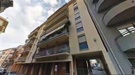 Ampio e luminoso appartamento sito in in complesso