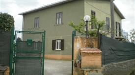 Villetta 220 mq piu Box esterno