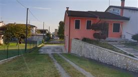 Villetta a Schiera in Vendita in zona Baruchella a Giacciano con Baruchella