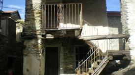 Casa di paese in vendita in via Vittorio Veneto s.n.c, Aurano