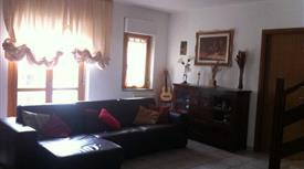 Appartamento a schiera su 2 livelli 107.000 €