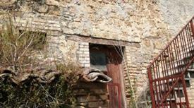 Due immobili con terreno costo 60.000 euro