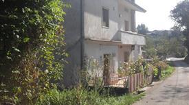 Porzione villa bifamiliare in vendita