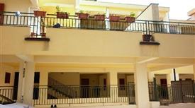 Appartamento centrale al I° piano con ascensore 120.000 €