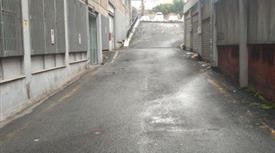 Magazzino in Vendita in Via Luigi Arnaldo Vassallo 73 a Roma