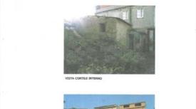 Casa da ristrutturare in vendita