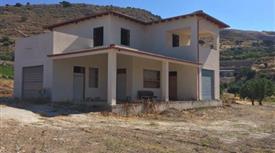 Villa tra Agrigento e Favara 220.000 €