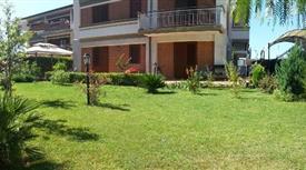 Ampio appartamento  giardino