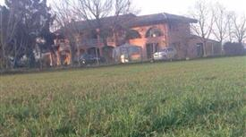 Villa bifamiliare con grande giardino