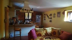 Casa semi indipendente vicolo Renato Cartesio 8, Caserta
