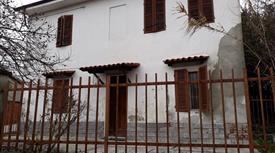 Casa in collina da ristrutturare