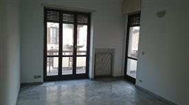 Ampio trilocale, luminoso- Corso Vercelli - Via Palestrina