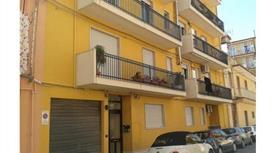 Privato vende luminoso  appartamento  Ragusa