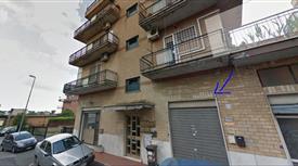 Negozio in Vendita in Via Serafino Belfanti 65 a Roma