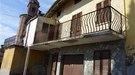 Casa in centro a Castelnuovo Calcea