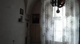 Casa 3 stanze + soppalco altre due stanze seevizi